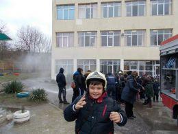 Практическо занятие по пожарна безопасност - ОУ Свети Патриарх Евтимий - Белослав